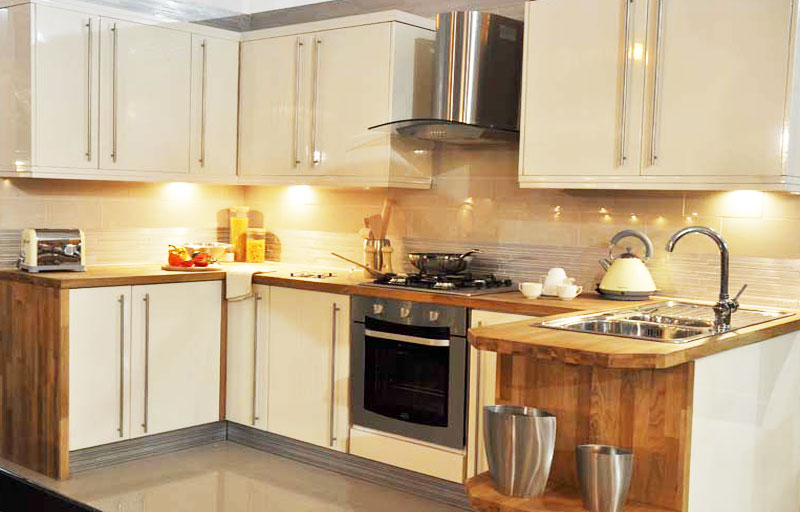 Kitchens for sale leeds kitchens for sale in leeds and for Oak kitchen units for sale